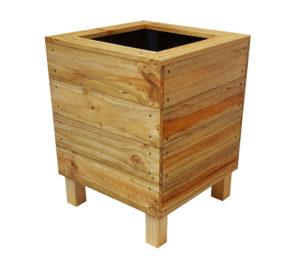 Cube planter box
