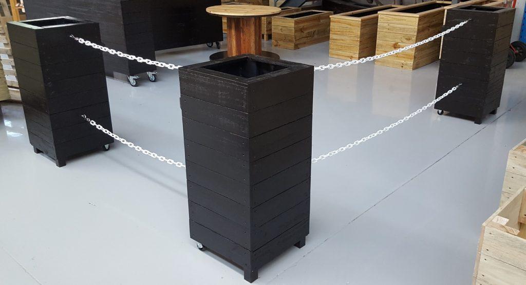 café barrier chain example