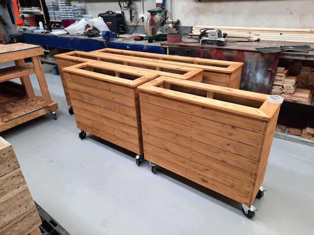 planter box wheels 2