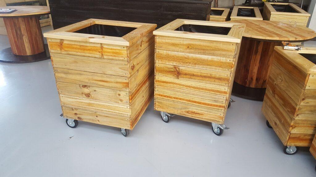 planter box wheels 3